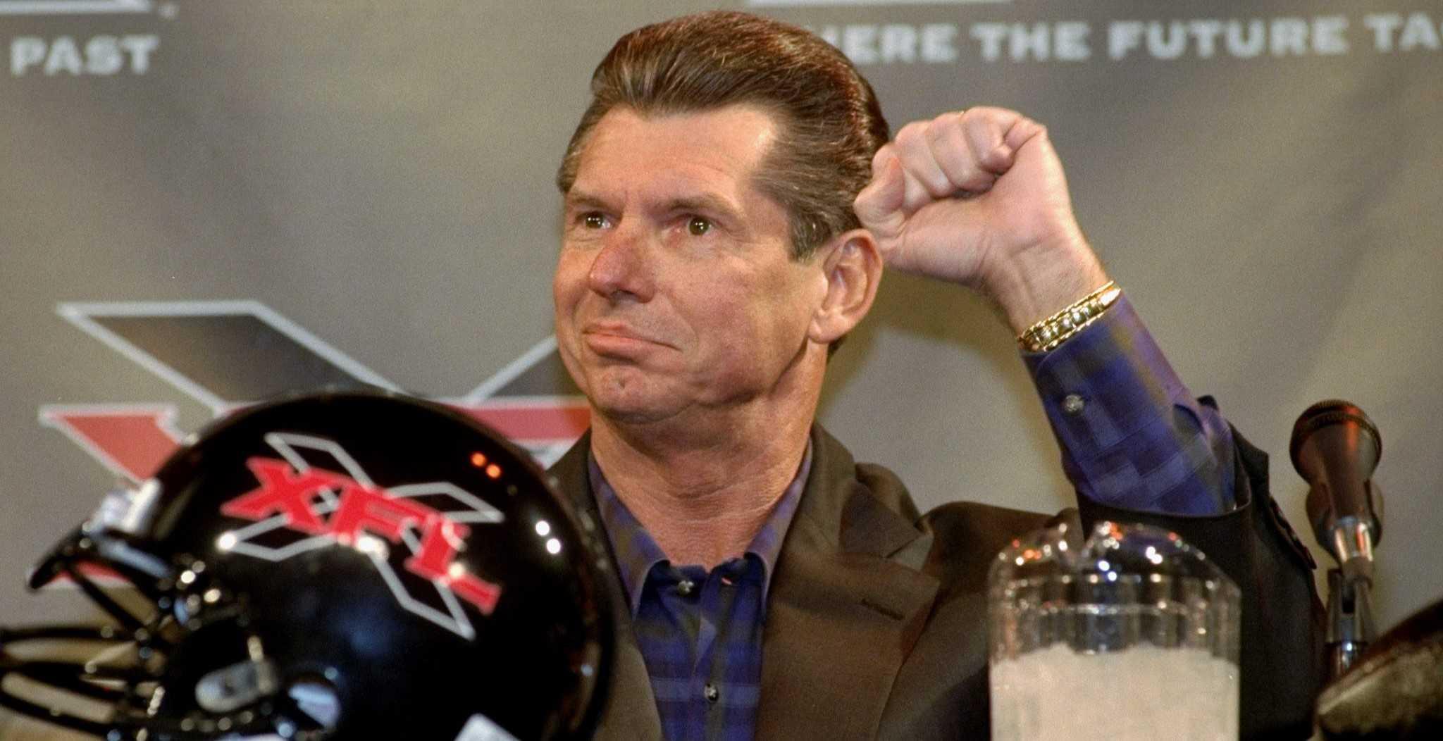 A quince años del experimento de Lucha Libre y Futbol Americano, la NFL debería de inducir en su salón de la fama a Vince McMahon 14