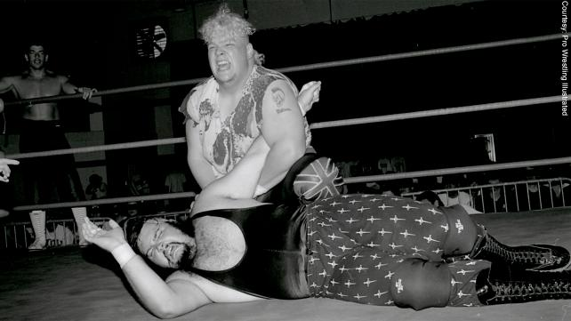 Axl Rotten y Hack Meyers, rivales en el ring, amigos debajo de él. Foto Pro Wrestling Illustraded