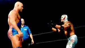 Kurt Angle vs. Rey Mysterio en WWE No Mercy 2002 / WWE©