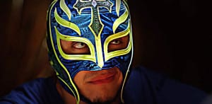 Video: ¡Joey Ryan vence a Rey Mysterio mientras dormía! 1