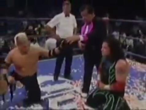 Zumbido vs. Súper Crazy - (2004) Captura de Pantalla