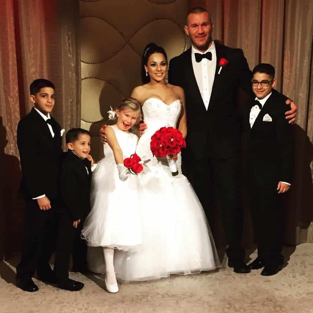 Randy Orton fue sorprendido por su esposa