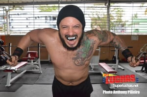 Video: El Campeón Universal de WWC envía saludos a los lectores de Super Luchas desde Puerto Rico 11