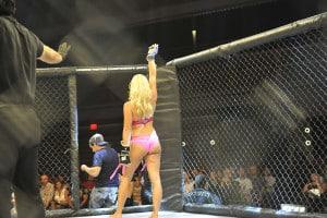 Ex Diva de WWE ingresa a las MMA... ¡pero las de lencería! 17