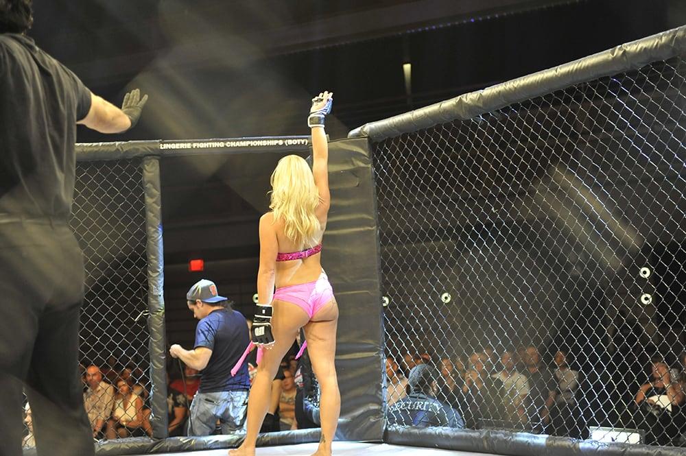 Ex Diva de WWE ingresa a las MMA... ¡pero las de lencería! 5