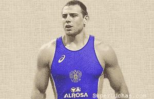 Nikita Melnikov ubicado en el primer puesto del Ranking en lucha grecorromana de la UWW 12