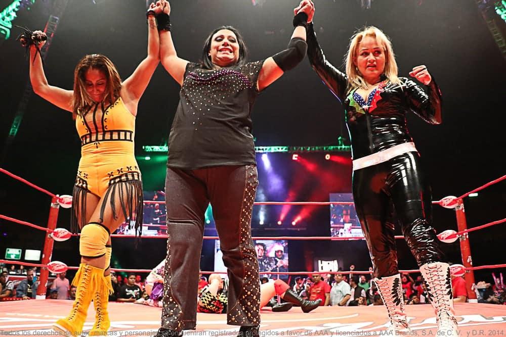 Fabi, Mary y Lady Apache en el Mundial de Lucha Libre