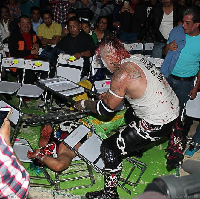 AAA: Resultados en Toluca, Edo. de Méx. - 29/07/2016 - Psycho Clown se doblega a la furia de Pagano 17