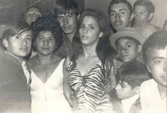 "Irma González e Irma ""La Tigresa"" Acévedoa finales de los sesentas."