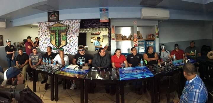 Luchadores y Promotores su unieron para expresar sus indonformidades / Foto de Zeus Eligio en Facebook