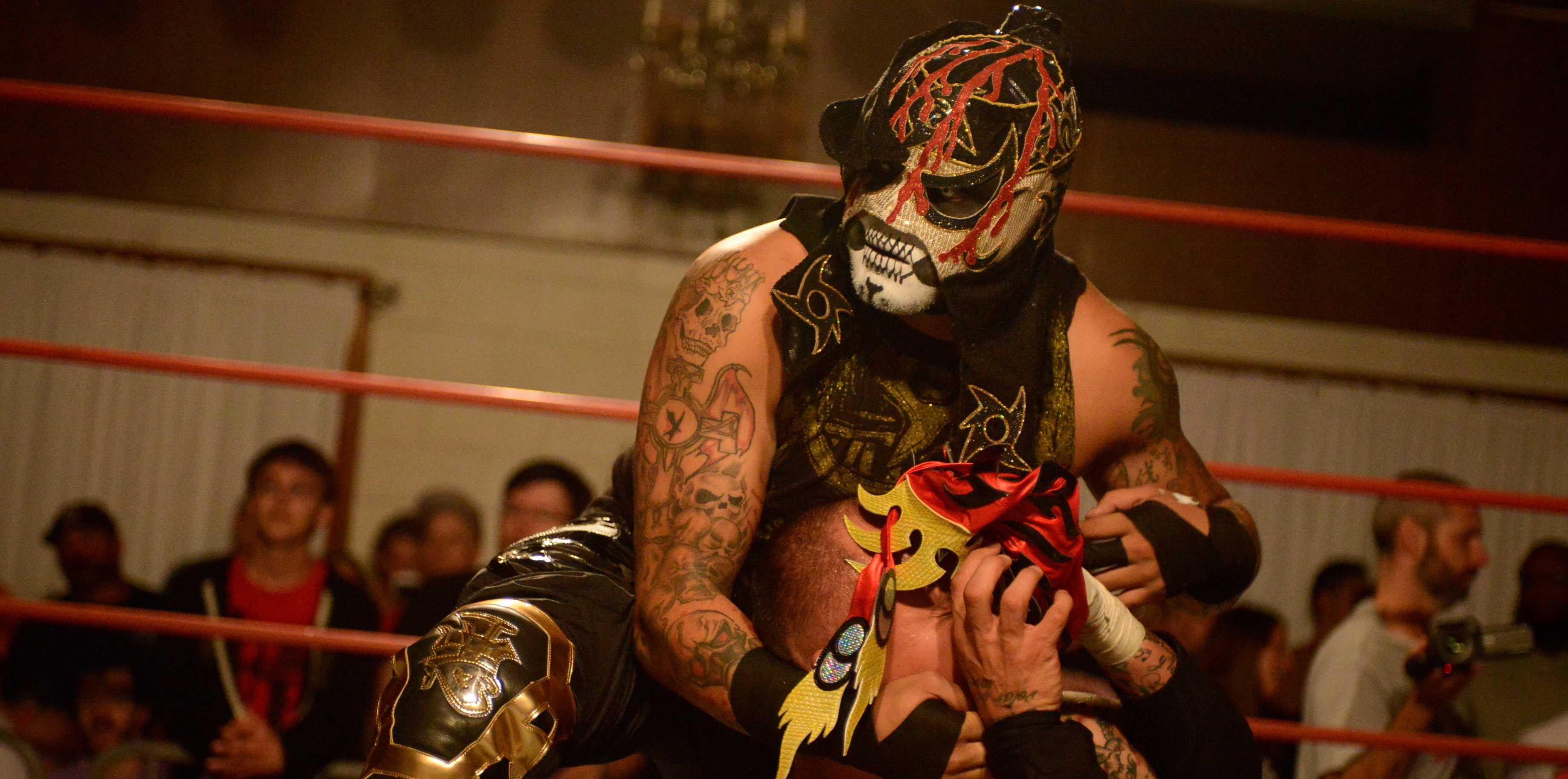 La noche del Cero Miedo: Pentagón Jr. retiene su título AAW ante Ciampa. Callihan destroza a Fénix. 1