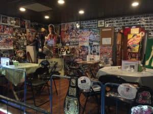 Osaka y su peculiar bar inspirado en la lucha libre 35