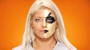 Alexa Bliss se disfraza como Goldust para Halloween (Octubre, 2016) / WWE.com