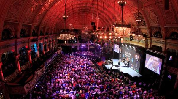 empress-ballroom-at-blackpools-winter-gardens-during-betvictor-world-matchplay-lawrence-lustig-pdc_1tuptpj2loe5h1g4c2v9m7zvqb-1