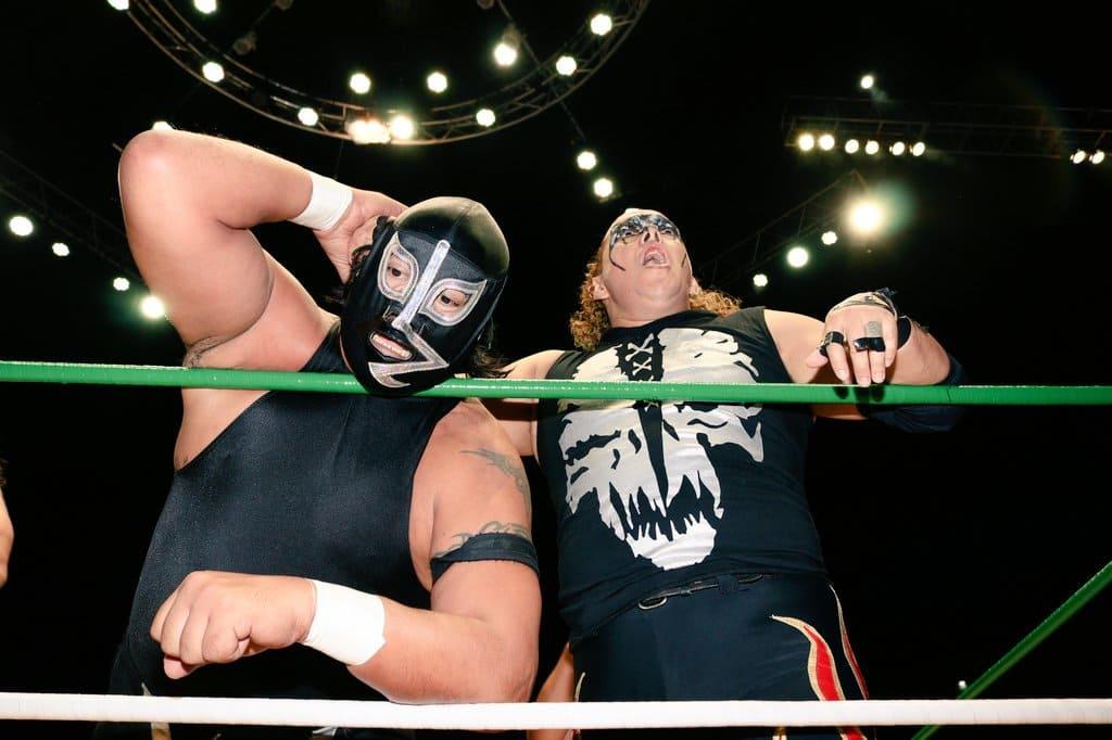 El Terrible y Rayo de Jalisco Jr., hacen estallar la Arena México 2