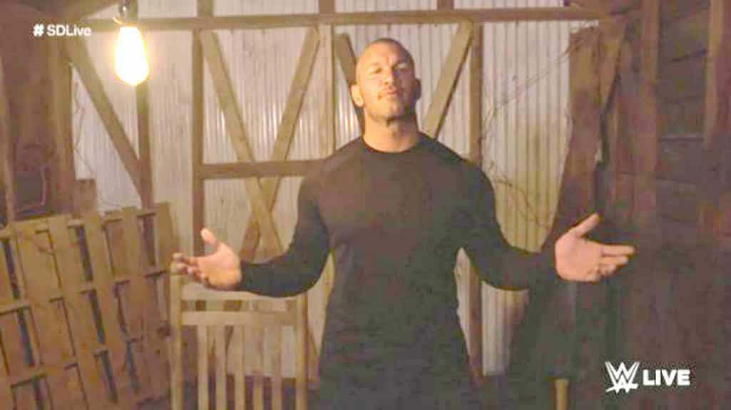 Randy Orton traiciona a Bray Wyatt y quema el Fortín de La Familia Wyatt y el espíritu de La Hermana Abigail (WWE SmackDown Live - 28/02/2017) / Twitter.com/WWE