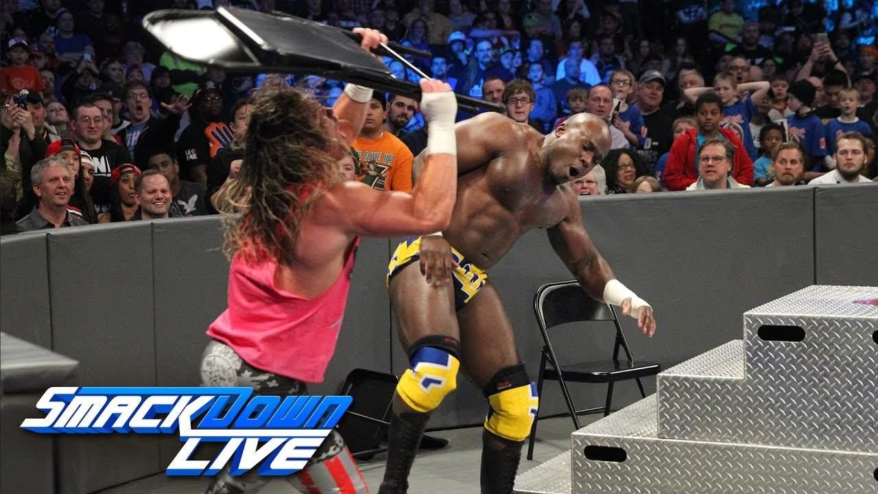 Dolph Ziggler vence a Apollo Crews en Lucha de Sillas en WWE SmackDown Live (28/02/2017) / YouTube.com/WWE