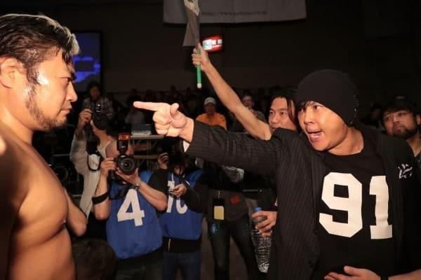 FMW vs. AJPW: Atsushi Onita y Jun Kasai se confrontan por Suwama 1