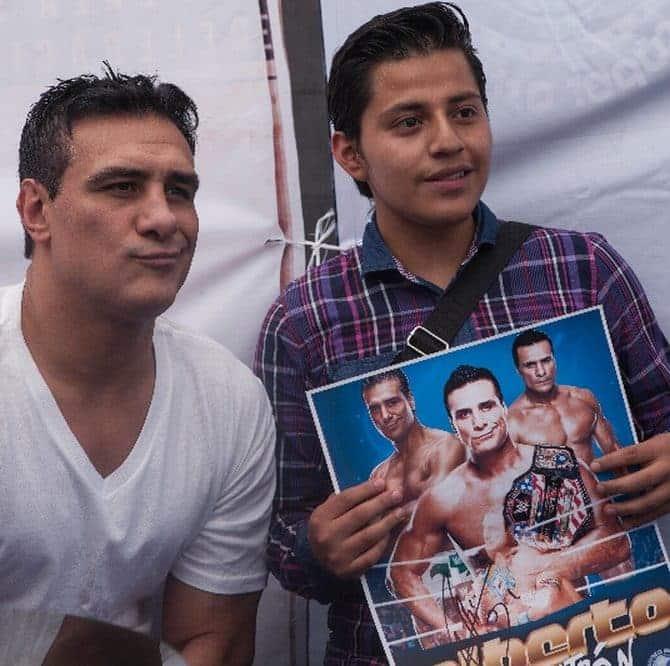 """FULL -""""Estamos tratando de hacer las cosas diferentes y queremos cambiar la perspectiva del negocio de la lucha libre"""": Alberto El Patrón 16"""