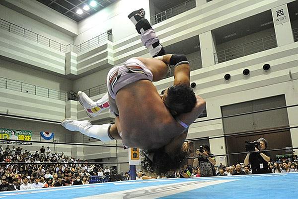 """NJPW: Resultados """"Best of the Super Jr. 24 - Día 13"""" - 01/06/2017 - KUSHIDA elimina a Volador Jr. y es el segundo finalista 22"""