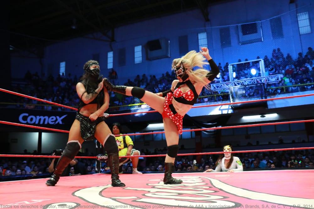 Sexy Star, Shani y Rosemary en altercado durante Triplemania XXV 2