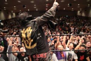 """Con lágrimas, Atsushi Onita se despide de la lucha libre profesional: """"Seré luchador hasta que muera"""" 52"""