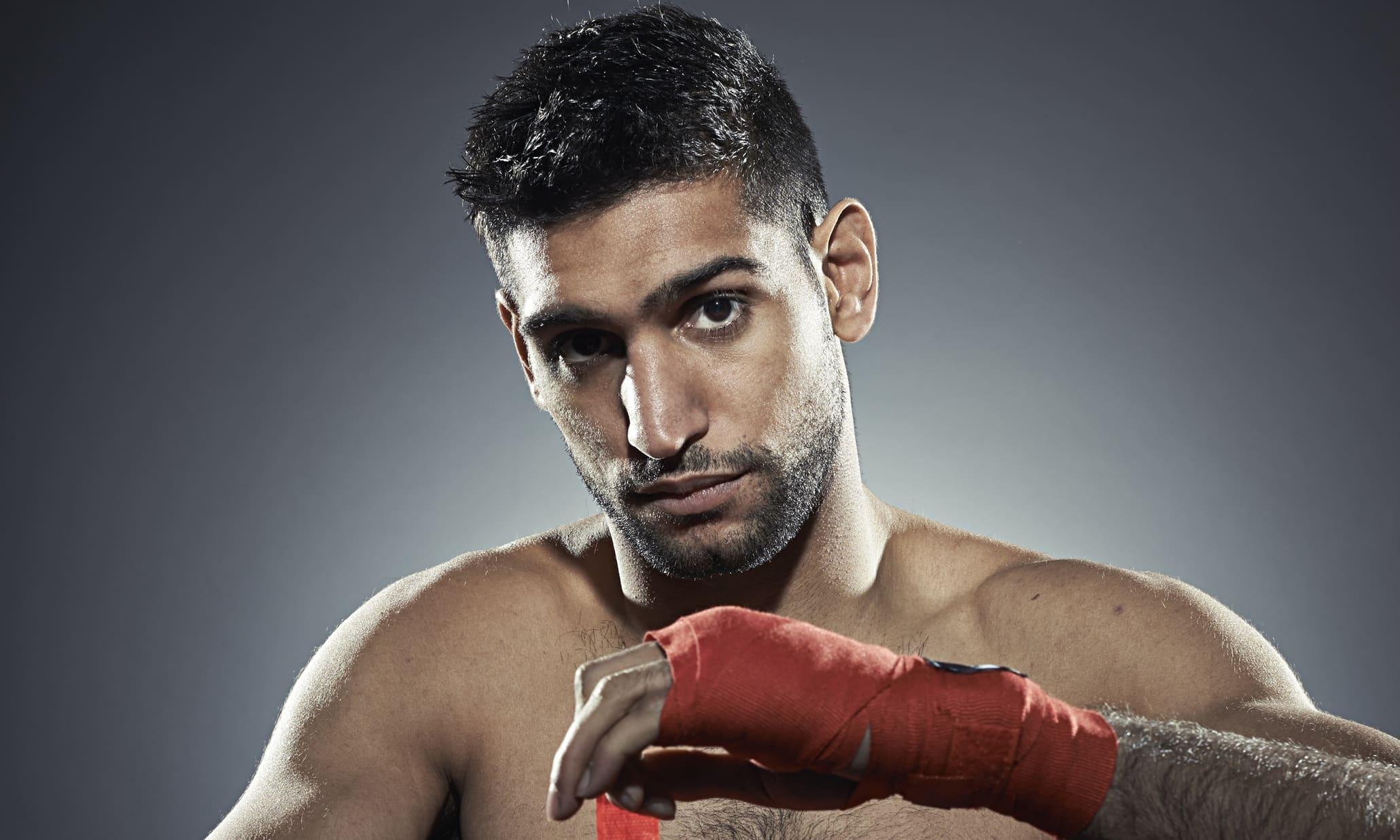 Amir Khan firmó contrato con Matchroom Boxing 11