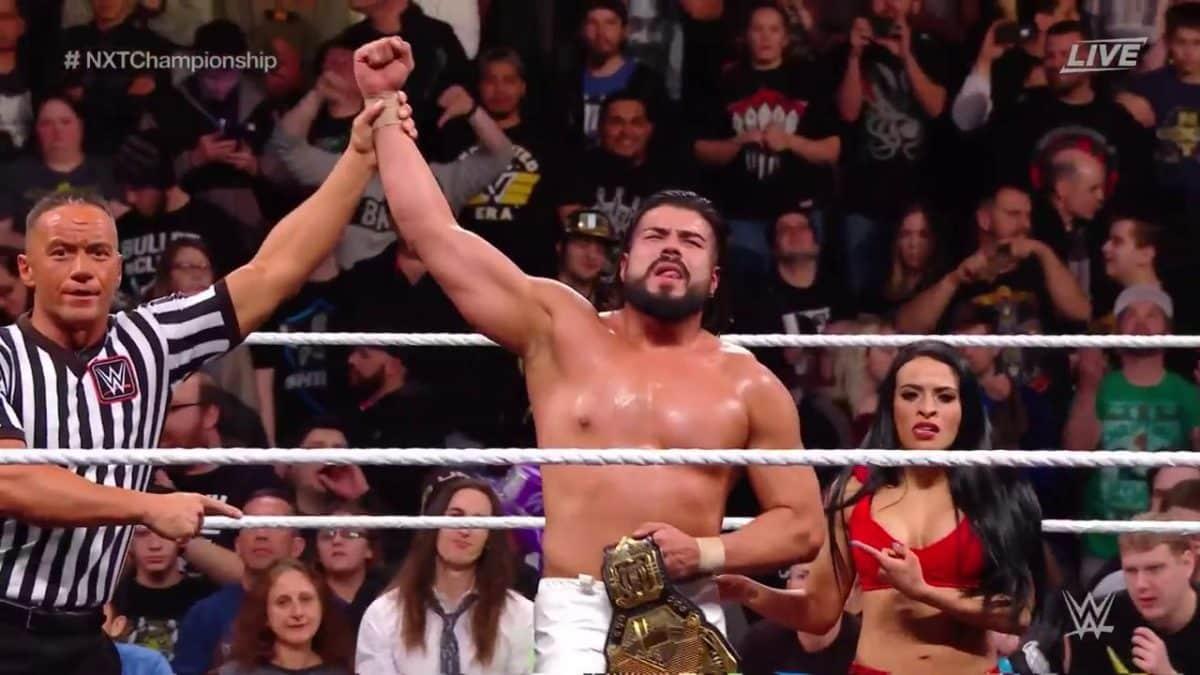 Andrade Cien Almas, junto a Zelina Vega, tras retener el Campeonato NXT ante Johnny Gargano en WWE NXT TakeOver: Philadelphia (27/01/2018) / WWE©