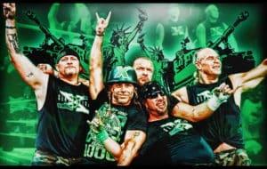 D-Generation X (DX - Road Dogg, Shawn Michaels, Triple H, X-Pac y Billy Gunn) reunidos en el Raw 1000 (23/07/2012) / WWE©