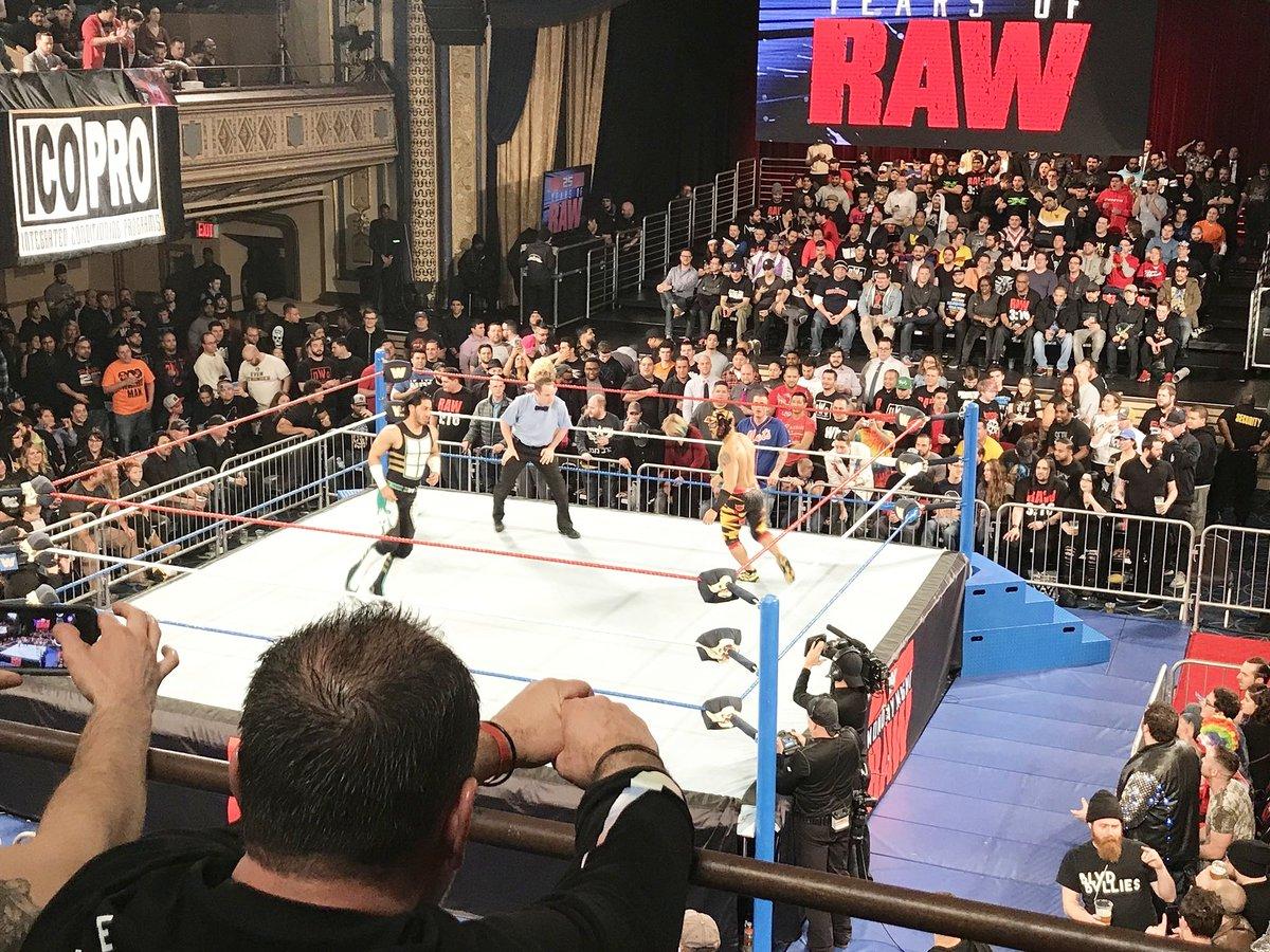 Resultados Monday Night Raw (22-en-18) — ¡25 Aniversario! 42