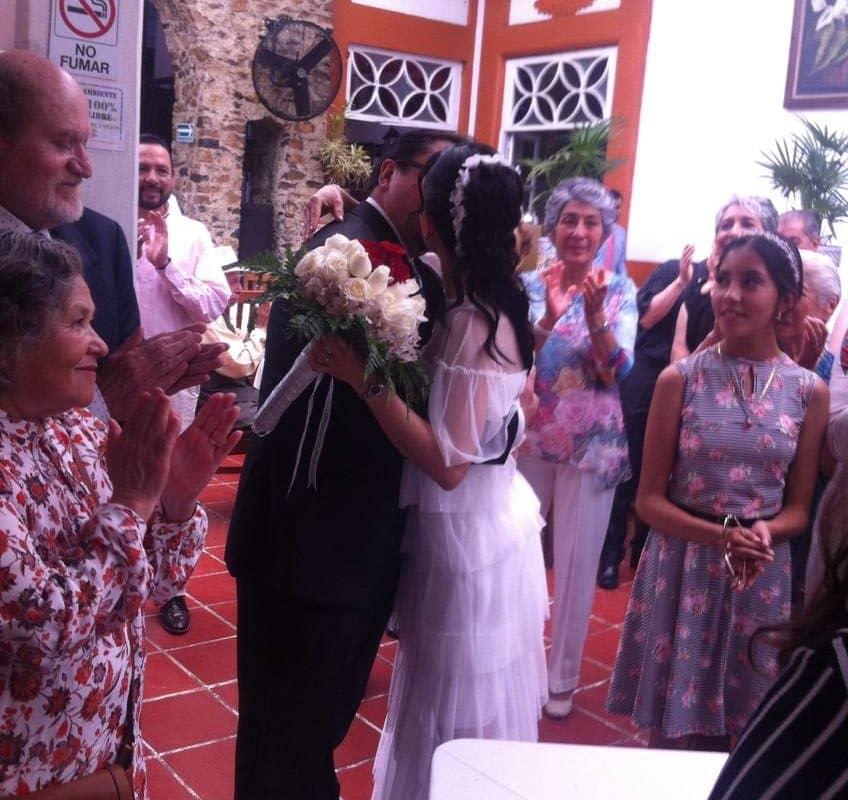 ¡Felicidades a nuestro Editor en Jefe, Ernesto Ocampo por su boda! 3