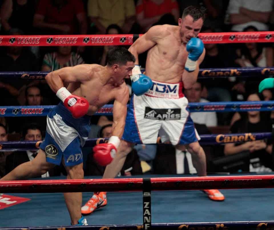José Paz derrota con autoridad a Omar Chávez 2