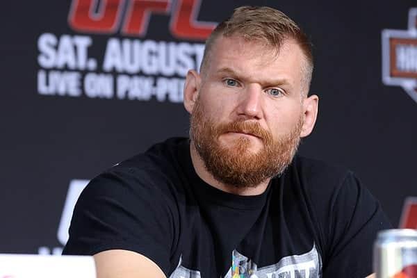 Josh Barnett emite declaración sobre su salida de UFC 1