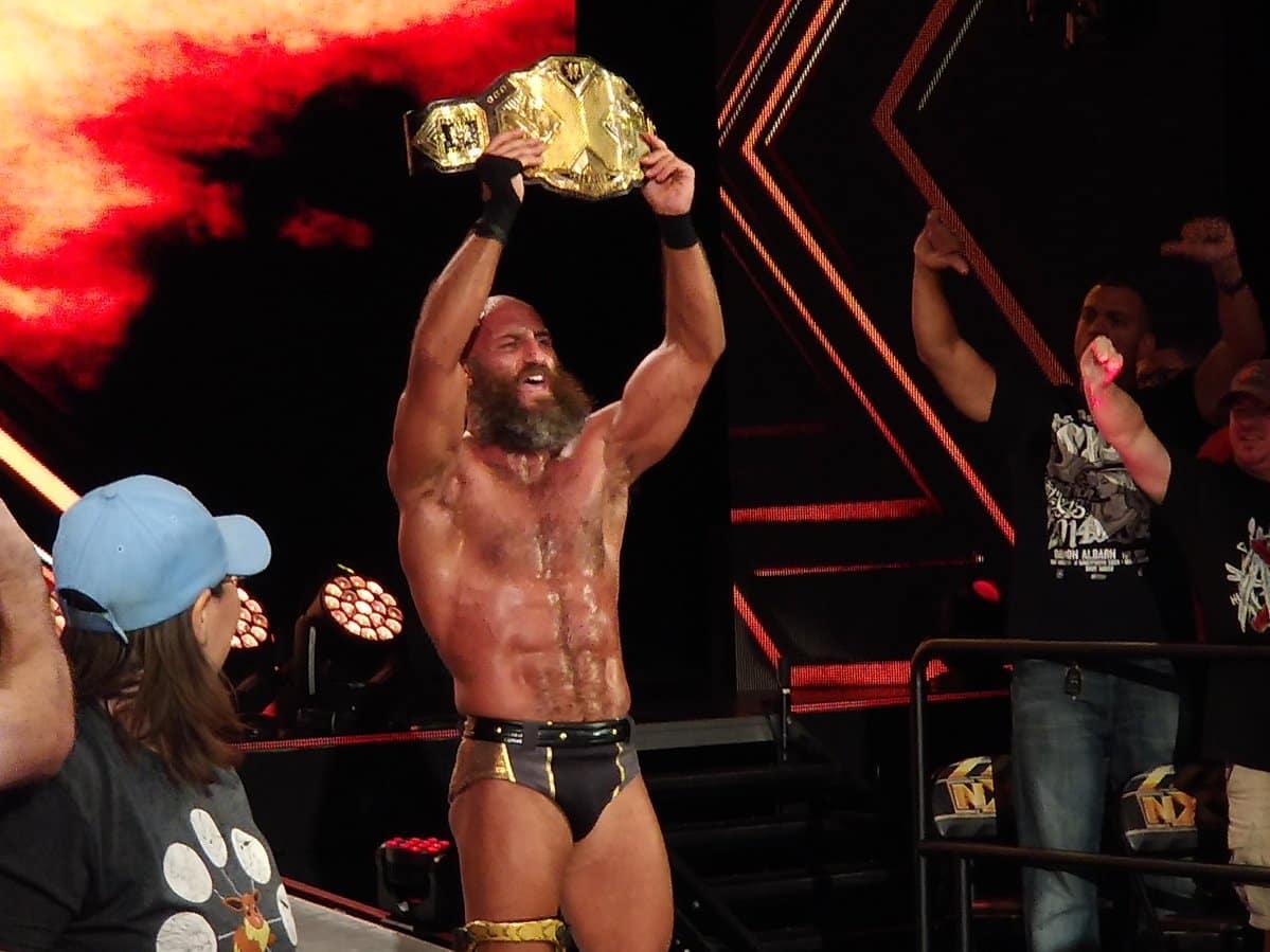 ¡Tommaso Ciampa derrota a Aleister Black y es el NUEVO Campeón NXT! (Grabaciones NXT - 18/07/2018)