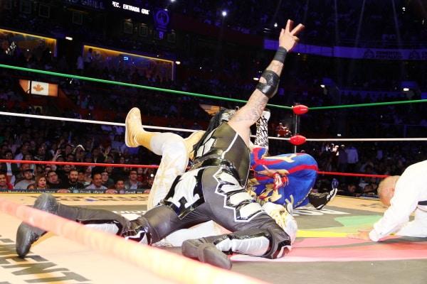 CMLL: 85 Aniversario Volador Jr. y Taven pelones 8