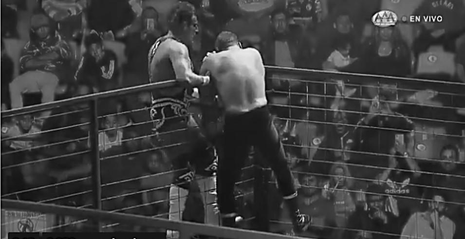 AAA: En Tijuana, Wagner le quita la tapa a Blue Demon Jr. 27