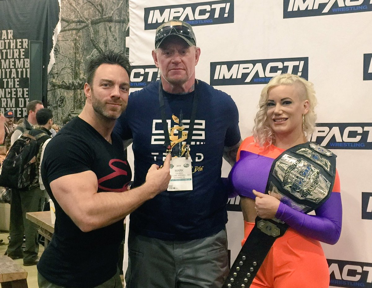A pedido de WWE, Undertaker y Kurt Angle son quitados de Starrcast 2