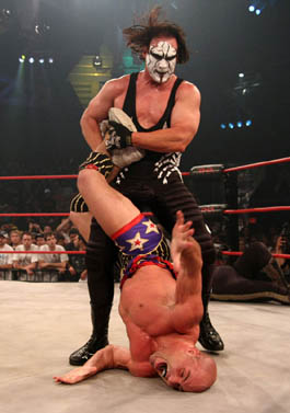 ¿Dónde tuvo Kurt Angle sus mejores luchas: WWE o TNA? 6