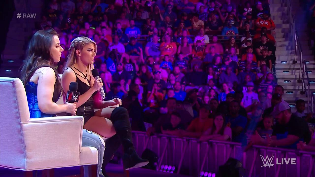 WWE RAW (29 de julio 2019) | Resultados en vivo | La cumbre samoana 3