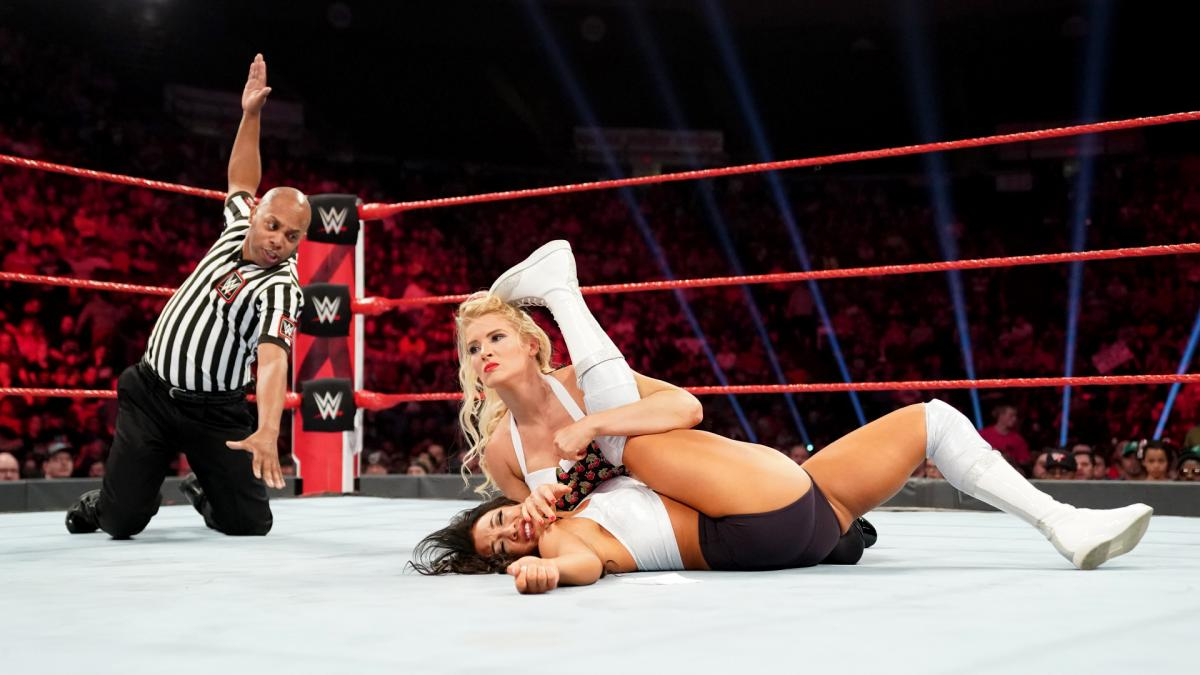 Superstrellas que WWE tiene que impulsar