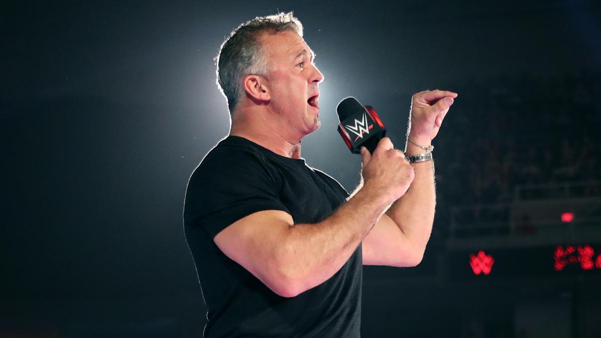 ¿Qué está haciendo Shane McMahon?
