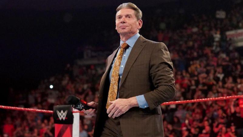 WWE no contactó con Renee Young
