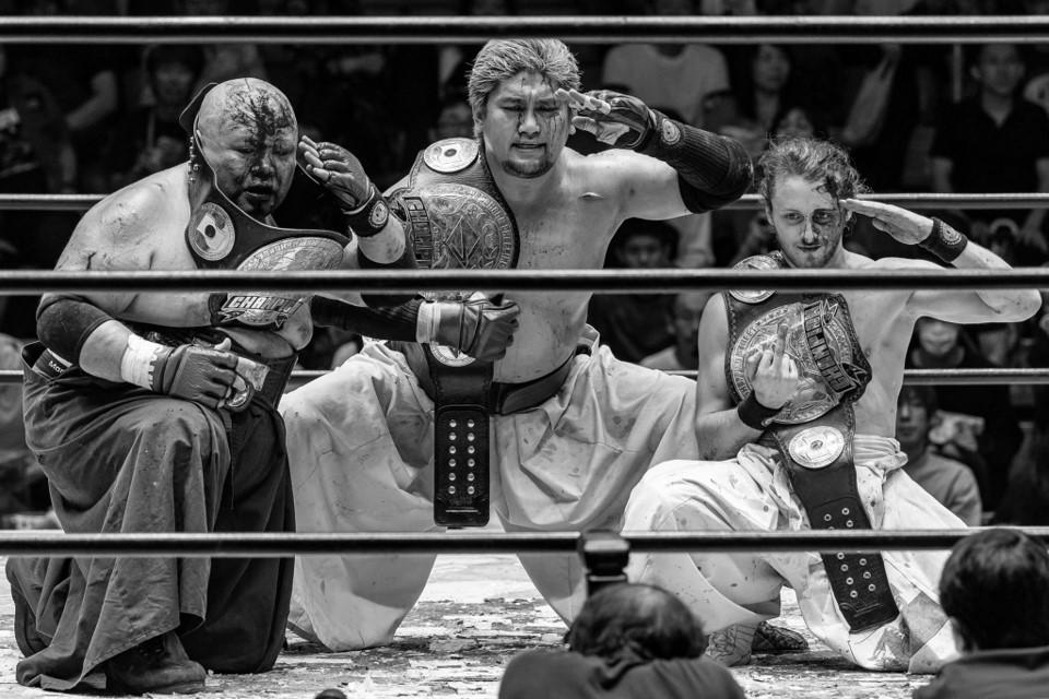 BJW: Kobayashi Army defiende con sangre el título de tercias 3