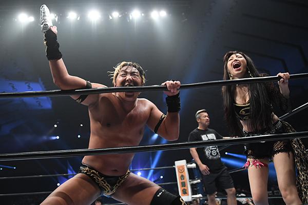"""NJPW: """"G1 Climax 29"""" Día 4 Taichi usa guante metálico sobre Naito 16"""