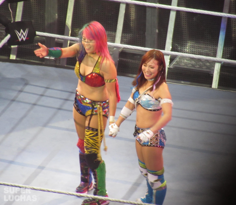 Asuka y Kairi Sane en el WWE Live! Bogotá, Colombia desde el Movistar Arena (23 de agosto de 2019) / William Beltrán / Superluchas.com / WWE / SÚPER LUCHAS
