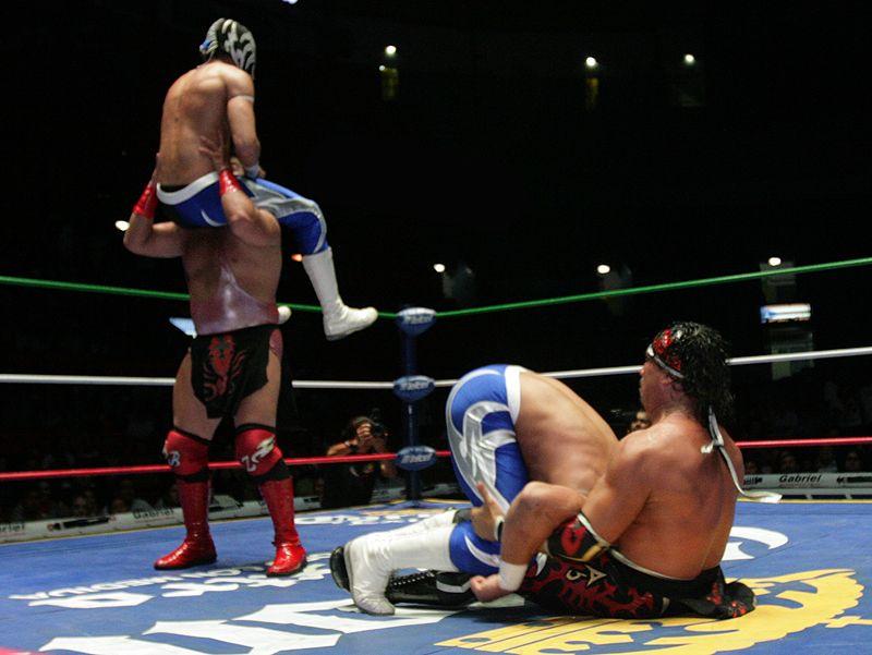 Eliminatoria del Torne La Gran Alternativa 2013 / Bobby Zavala y Rey Escorpion