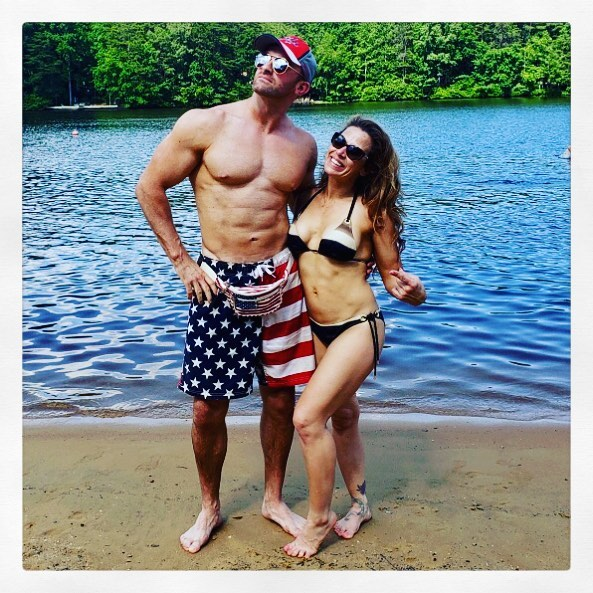 Nick Aldis y su esposa  Mickie James.