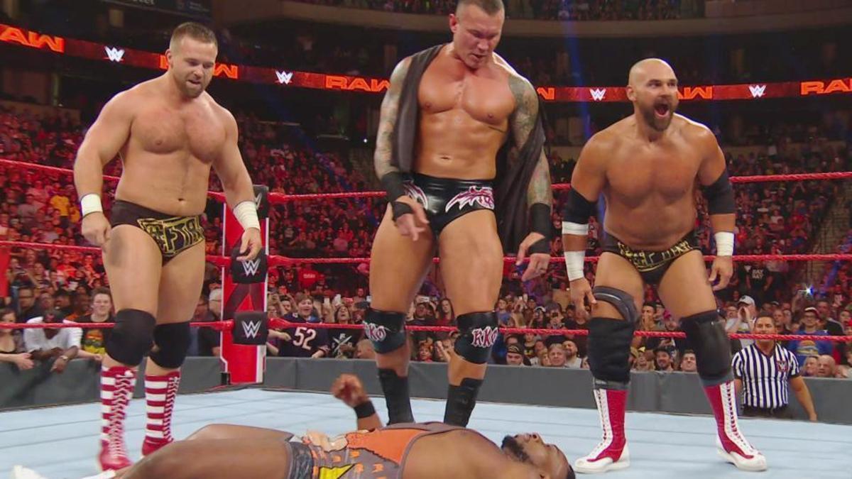 The Revival y Randy Orton se deshacen de The New Day.