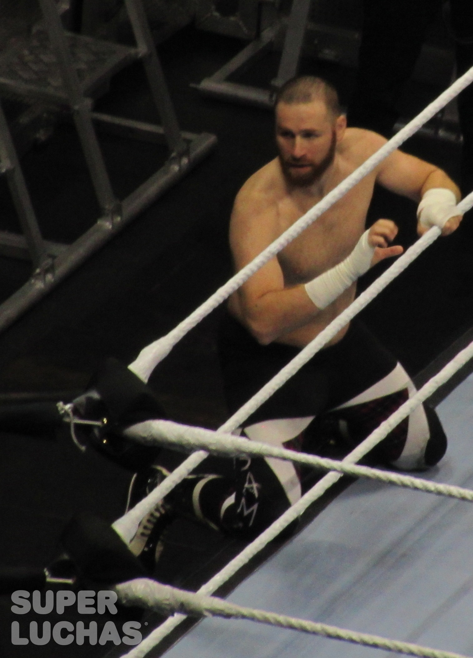 Sami Zayn en el WWE Live! Bogotá, Colombia desde el Movistar Arena (23 de agosto de 2019) / William Beltrán / Superluchas.com / WWE / SÚPER LUCHAS