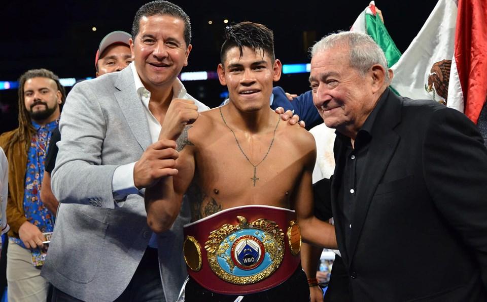 Vaquero Navarrete noqueó a De Vaca en 3 rounds 8